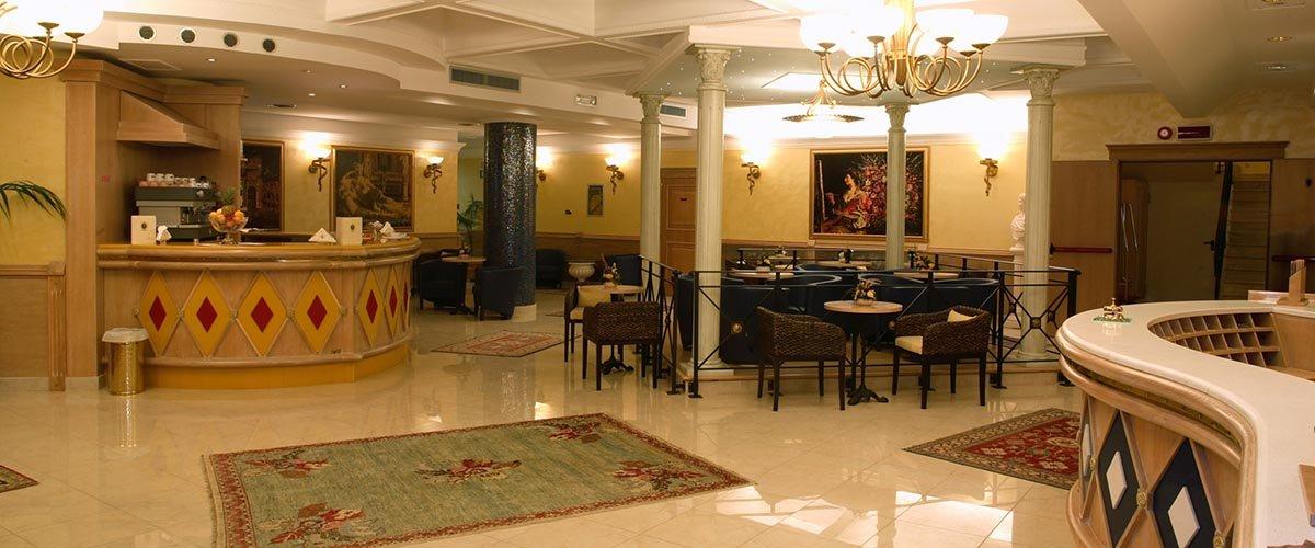 Hotel Villa Romana - lobby