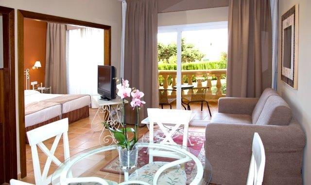 Hotel Mon Port - kamer