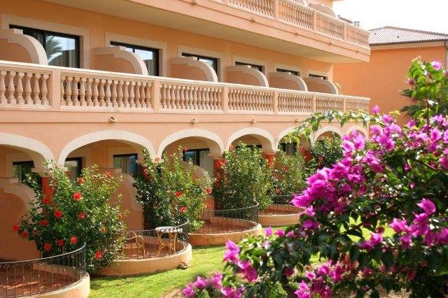 Hotel Mon Port - tuin