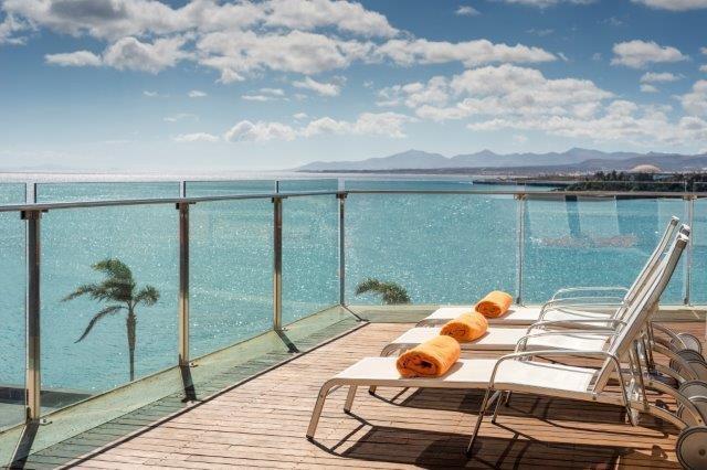 Arrecife Gran Hotel - zonne terras
