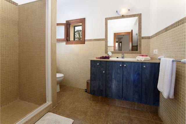 Villa Pou den Brux - badkamer