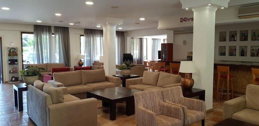 Appartementen Helios Bay - bar