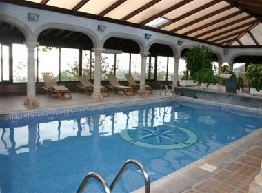 Hotel El Nogal - binnen zwembad